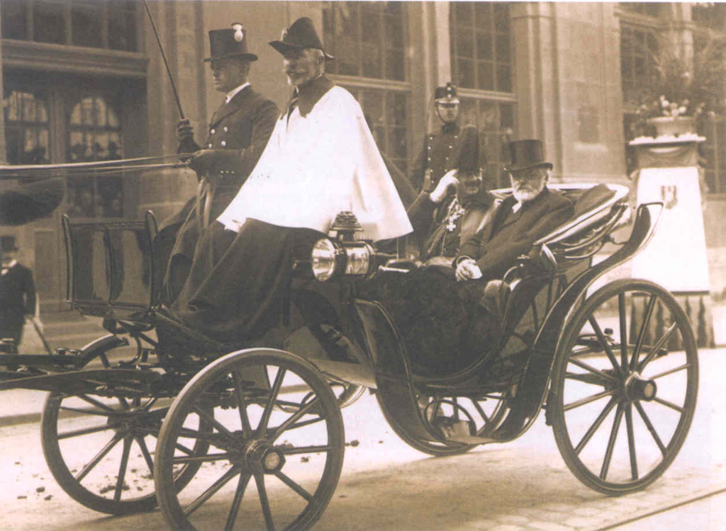 The German Kaiser in the Mylord coach in front of the Bernerhof